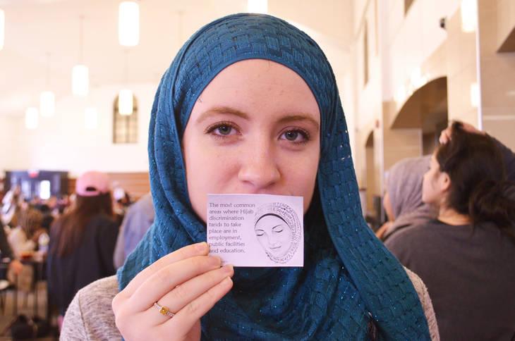 13cbd0069572bd6a4d7d_Hijab_14.jpg