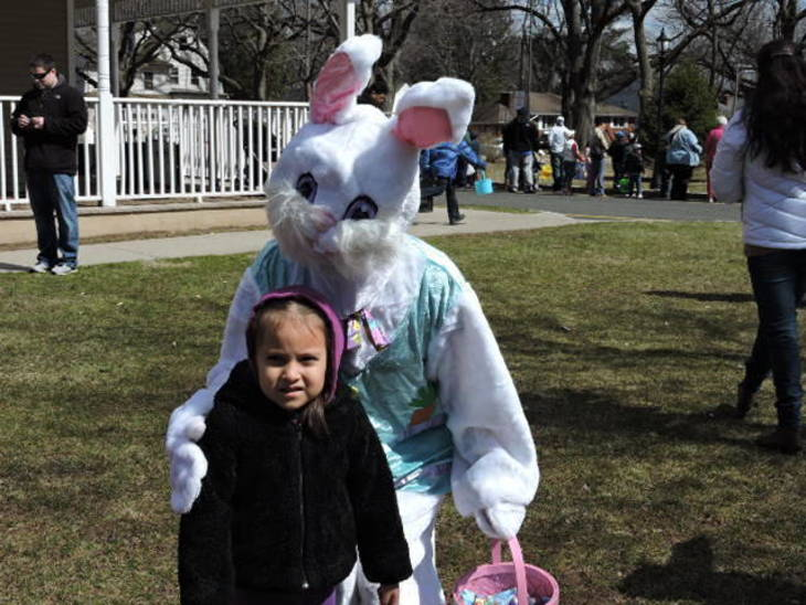1702795666cf125c85f3_best_73ac77d01ff6633f4638_easter_5_with_bunny.jpg