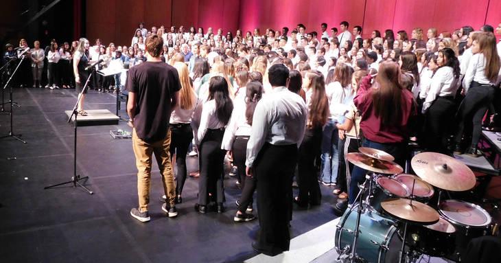 170fd78d02aa49d2e830_WHRHS_PHOTOS_Alumni-added_Choir.jpg