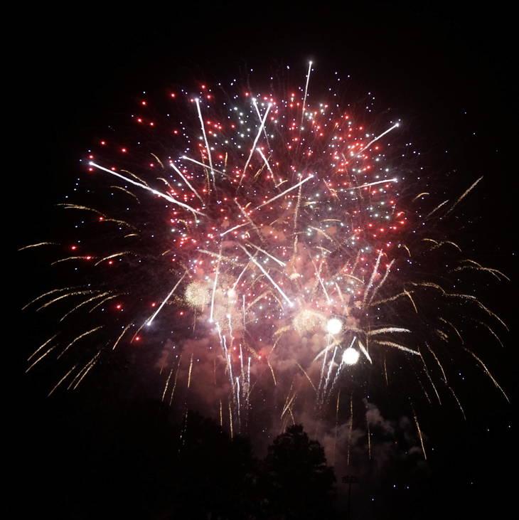 19736da977c358a94d5c_a_Fireworks_in_Montville_5.JPG