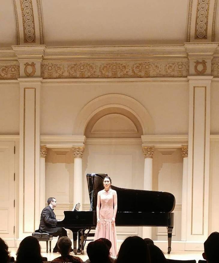 1b10b236ee9db3f74fac_Leo_at_Carnegie_Hall_on_piano_from_Len.jpg