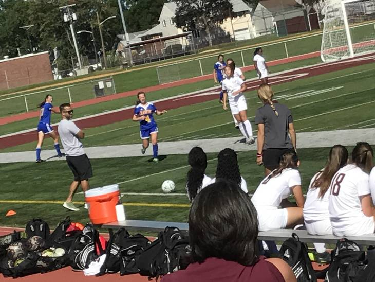 1cd2b59d84cd49f7fe0f_girls_soccer_9-22-17_5.jpg