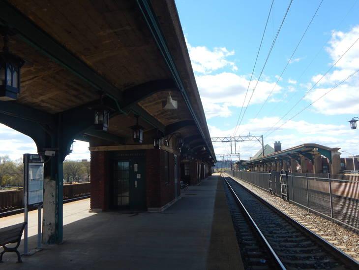 1e1fd0c16f91fd2e1127_East_Orange_Station_-_April_2015.jpg