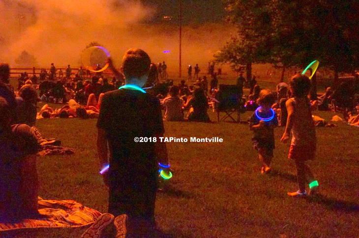 1ec1c952b5a51edae978_a_Kids_dance_in_the_fireworks__light__2018_TAPInto_Montville.JPG