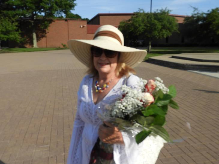 1f09406533dac4c04637_Granma_heading_to_graduation.jpg