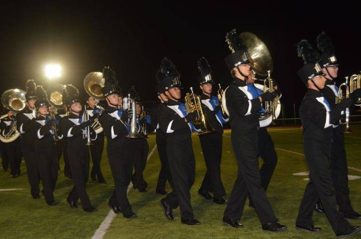 21470fcbad5078f5bf17_Band_marches_off_the_field_02.JPG