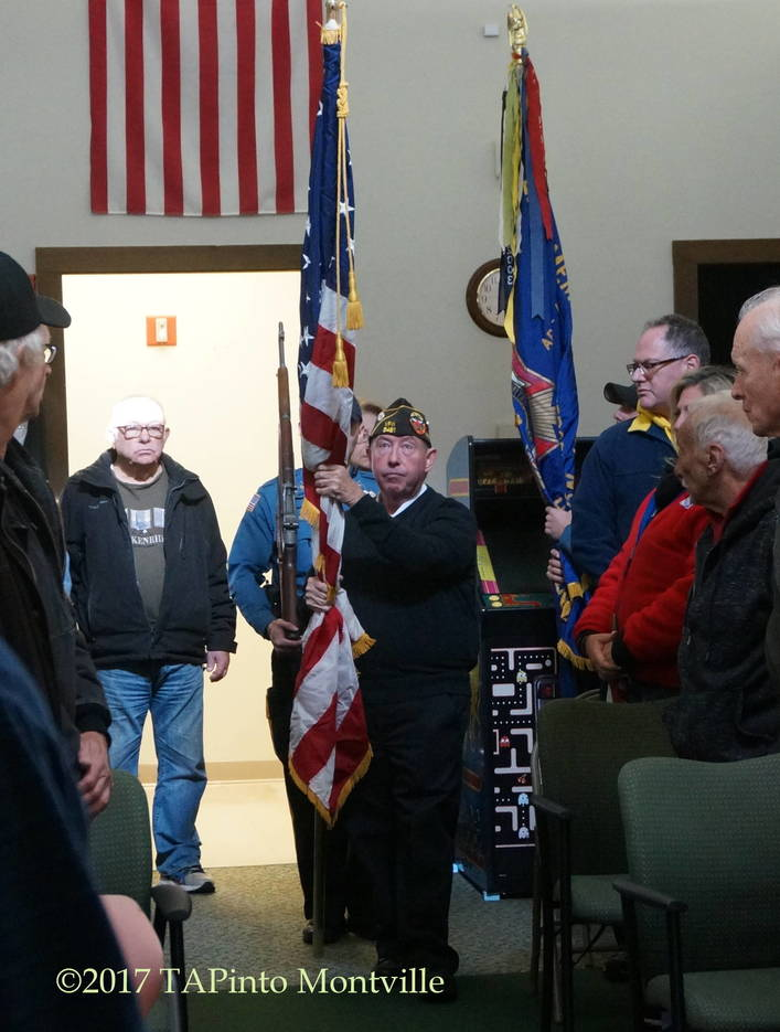 22297602d542a7481b34_a_Joe_Coll_of_VFW_Post_5481_presents_the_colors.JPG