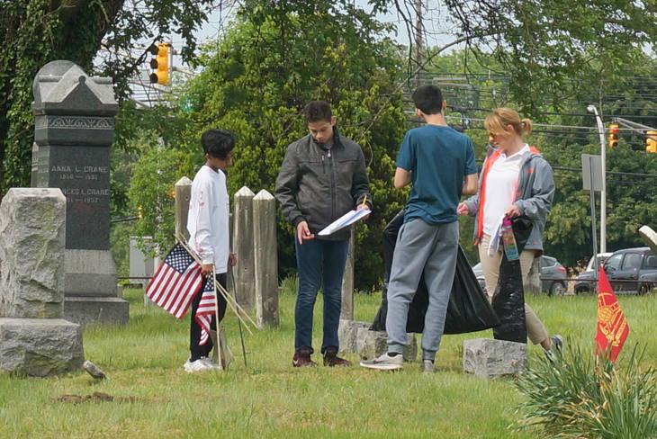 225698a257ae2b1a8d30_a_Memorial_Day_cemetery_project_7.JPG