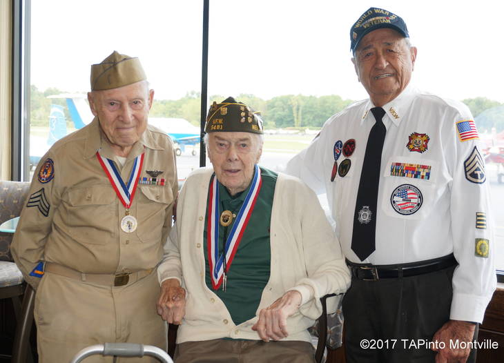 22e91e2fbae314c3287b_a_Montville_Township_veterans_before_their_flight.JPG