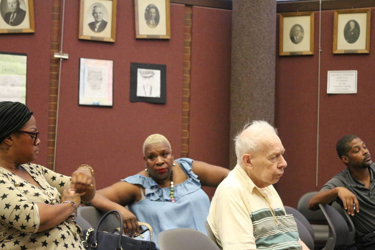 2488cde663e95c3f91de_roselle_council_meeting_6.JPG