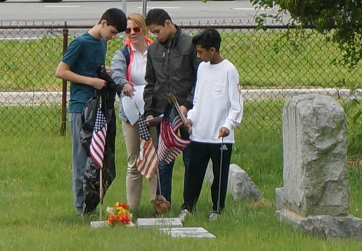 262cae634b270e273572_a_Memorial_Day_cemetery_project_1.JPG