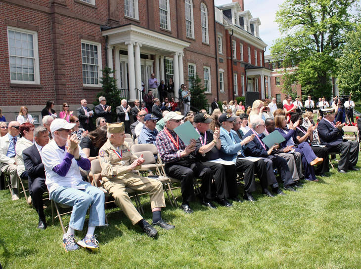 277eca4cd00473a96a87_Memorial_Day_audience.JPG