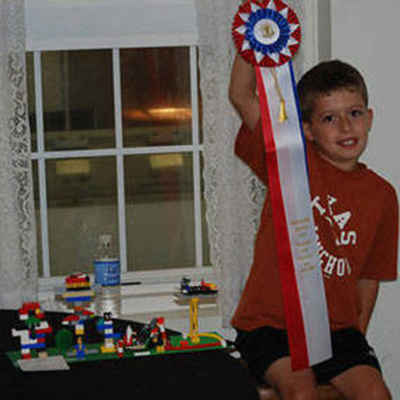 27a9c6b2f86cf9e7fb8c_824b7ec9576a6710fd18_Grange_Fair_Lego_contest_winner.jpg