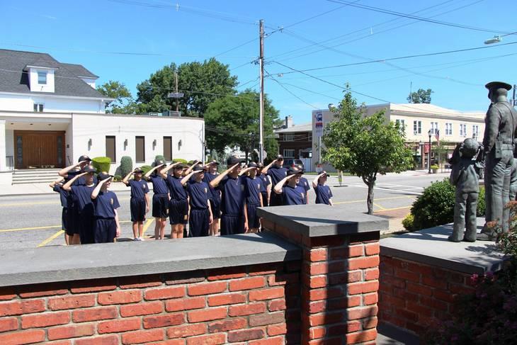 28c6d8495a9f44f8fa18_EDIT_salute_at_HH_police_memorial.jpg