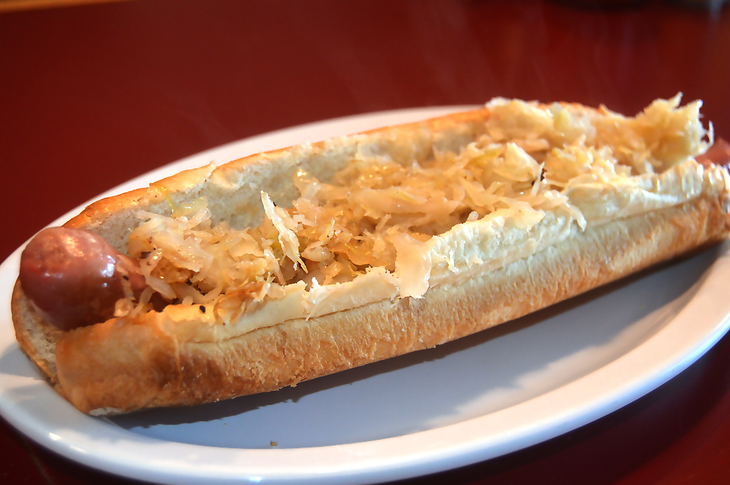 2aee3e8627f83312b948_Foot-long_Hot_Dog.jpg
