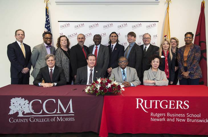 2ee072b3c605a6a56b72_Photo2_CCM_Rutgers-signing-jan-22-2018-5.jpg