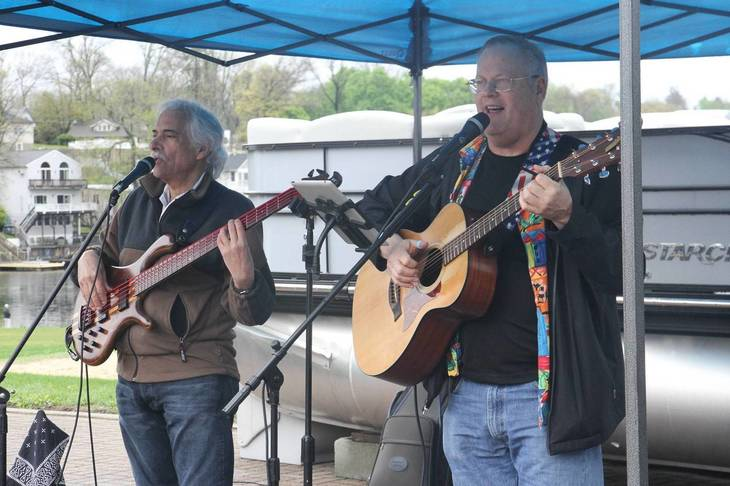 2fe3b0ab6244d3ebd465_b6dd0767d13cdb8acf12_The_Lake_Hopatcong_Block_Party_offers_numerous_bands_and_entertainment_options.jpg