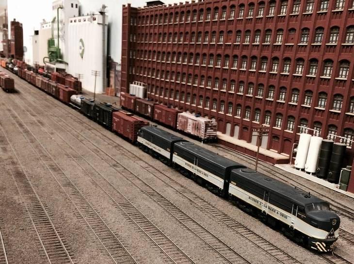 2ff483410ab33a96c655_Model_RR_Yard_with_Warehouse.jpg
