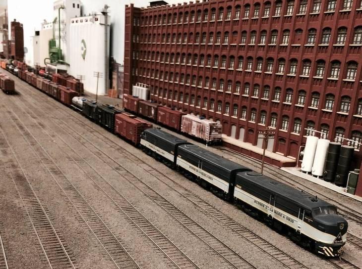 2ff483410ab33a96c655_Model_RR_Yard_with_Warehouse.jpg