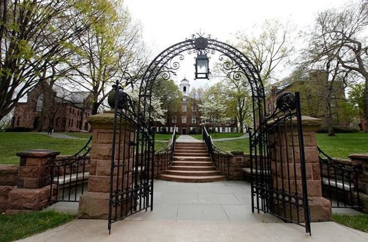 307f37522b01ba0505dc_rutgers_old_queens_gates.jpg
