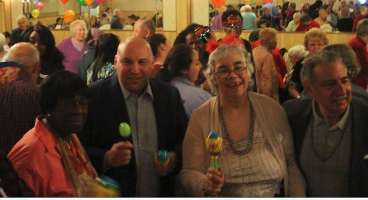32b3107c75e2b35914cd_Seniors_Cinco_de_Mayo_Bloomfield_a.JPG
