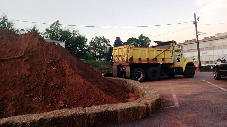 362f9fec4cdb0d96e46b_EDIT_HS_dirt_and_dump_truck.jpg