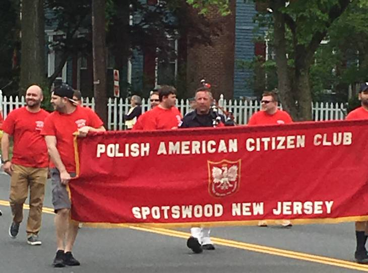 378f51afbe0a085d9bf5_parade2.JPG