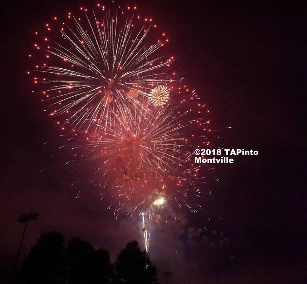 39f3e50eb11a4d99344c_a_The_Montville_Township_fireworks__2018_TAPInto_Montville__5.JPG