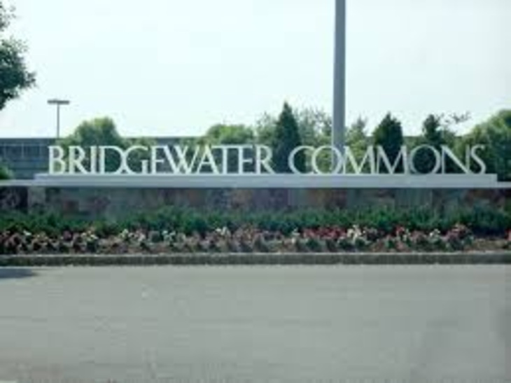3a421c306015ab838023_bridgewater_mall.jpg