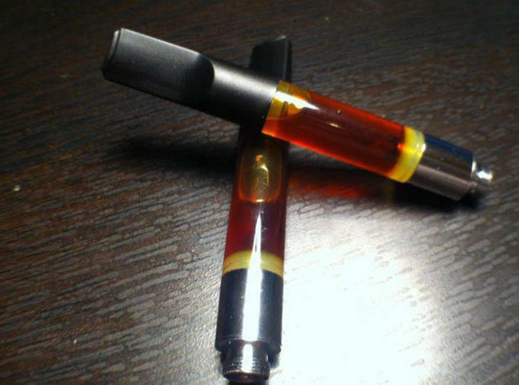 3a91b75ea1856a2fae00_vaping_pen_-_marijuana-oil-cartridges.jpg