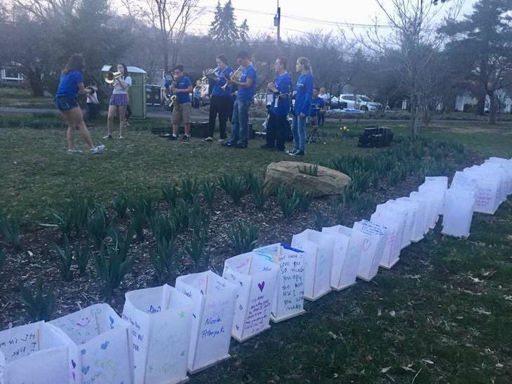 3d3130c909bfca4c0551_HHS_Band_and_Lanterns.jpg