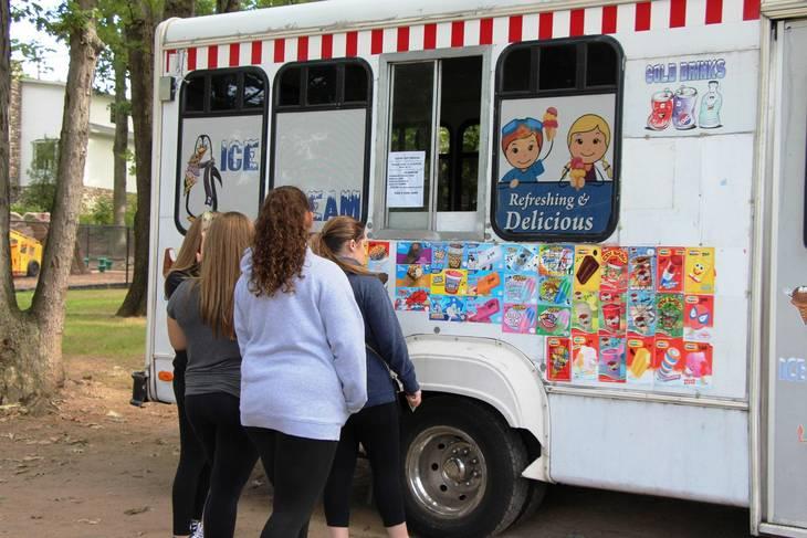 3ed9dbe3357c2eb53ff9_EDIT_ice_cream_truck.jpg