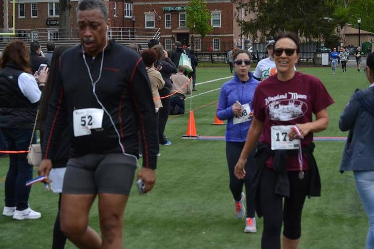402c5a5d21a0927be5a9_Nutley_Chamber_of_Commerce_5K_c.jpg