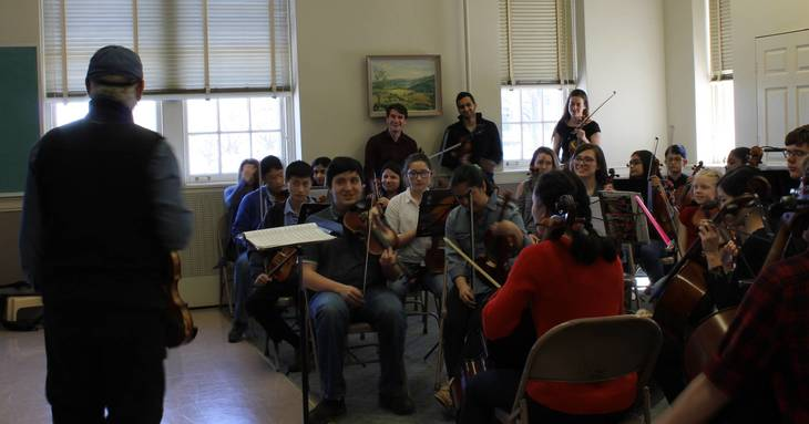 42b8fa37c620148c7a31_Orchestra_students_with_Jay_Unger.JPG