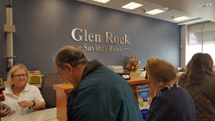 4518fc41c86d6f2d22e7_glenRock_bank_service.jpg