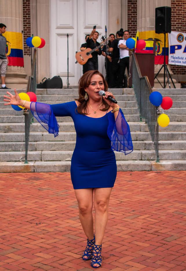 45dfe5377ae0bbafdf1c_EcuadorianFlagRaise-124.jpg