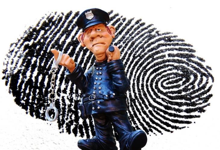 46d0e660b346c43df740_police-1141050_1920.jpg