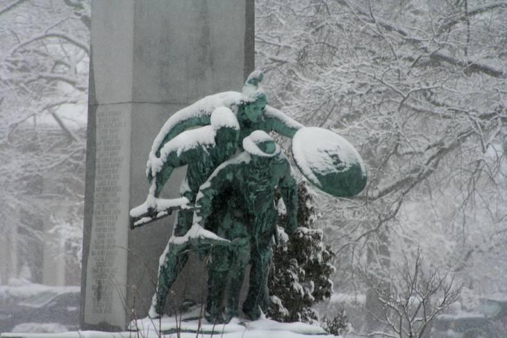 4760e38739240ed088c7_Snowday_at_Edgemont_Memorial_Park_Monument.jpg