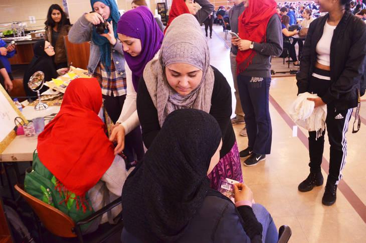 48542ca09fa8999eb5ac_Hijab_16.jpg