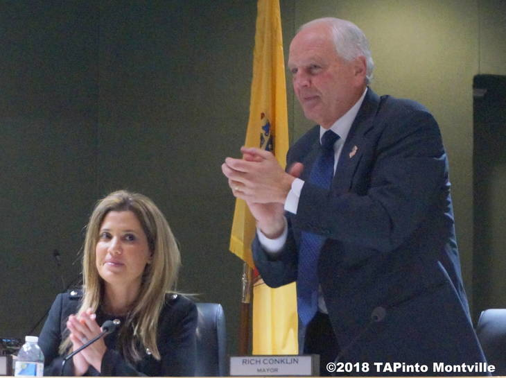 4903dc6e866005f0fcb5_a_Mayor_Conklin_initiates_a_standing_ovation_for_Sandham_and_Nielson__2018_TAPinto_Montville.JPG