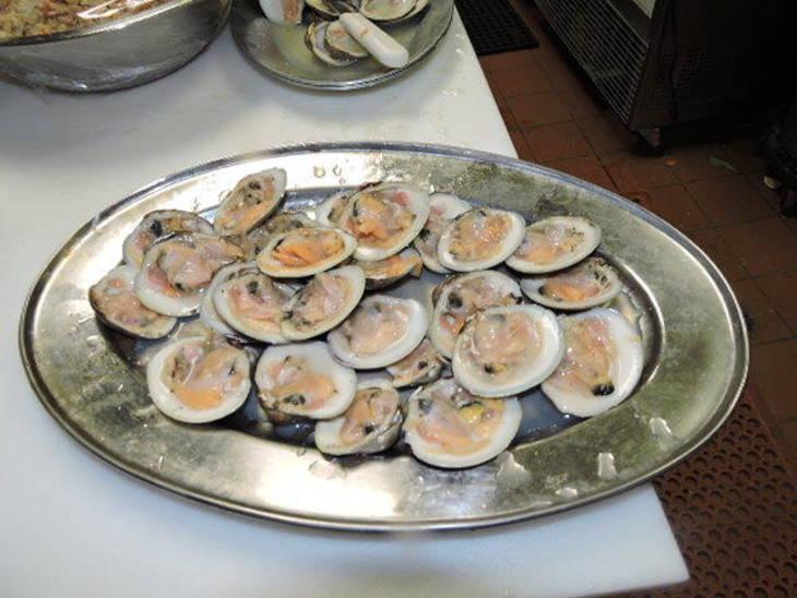 4b768f4552a010d6d7fe_clams.jpg
