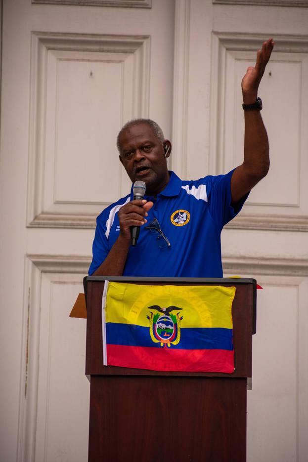 4cc6300a9a60bee73655_EcuadorianFlagRaise-48.jpg