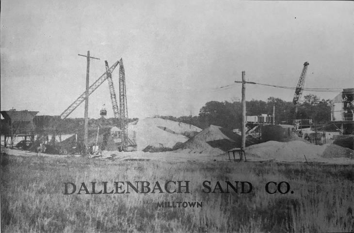 4d6b3b5ba4292e59a125_dallenbach_sand_company.JPG