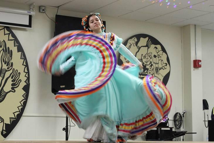 4dc14dc3be45f25b6087_1eda5a467f4343fd2ca1_Los_Quetzales_Mexican_Dance.jpg