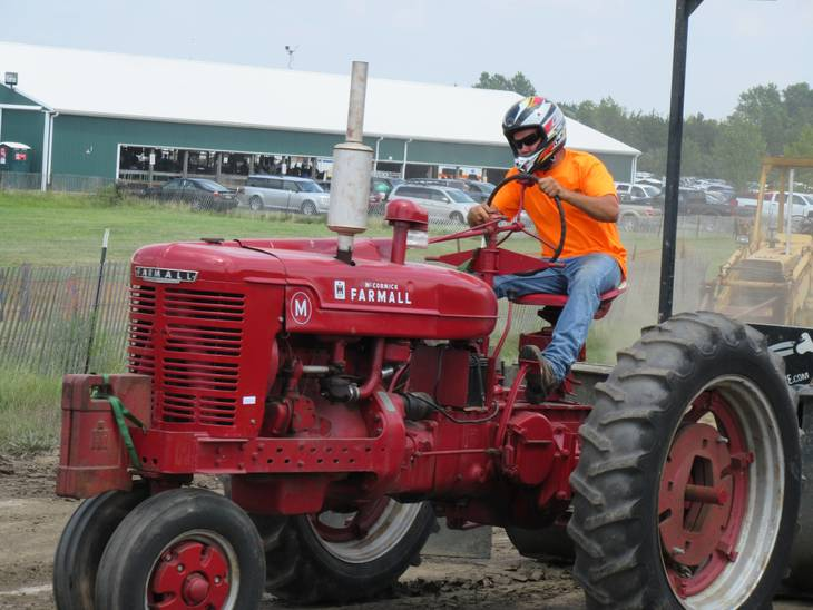 4ddf8be9b3677299a3d8_Farmall_2015.JPG