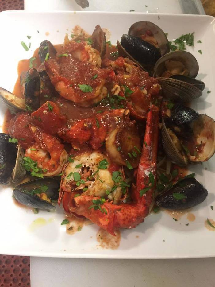 4ea731a6c3bd78f2a9ff_clams_with_mussels.jpg
