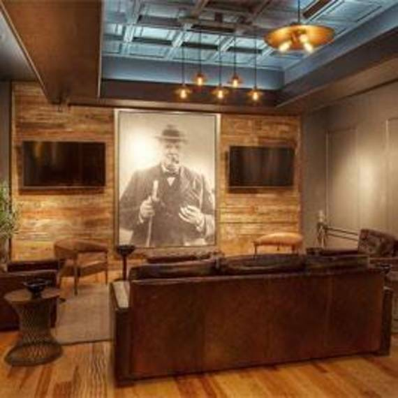 50a1627c9c31b5653369_Churchill_Room_Jr_cigars.jpg