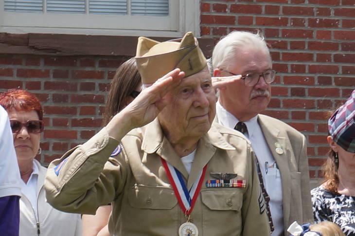5108acc64c9dbaba141b_a_Sgt._Hjalmar_Johansson_salutes.JPG