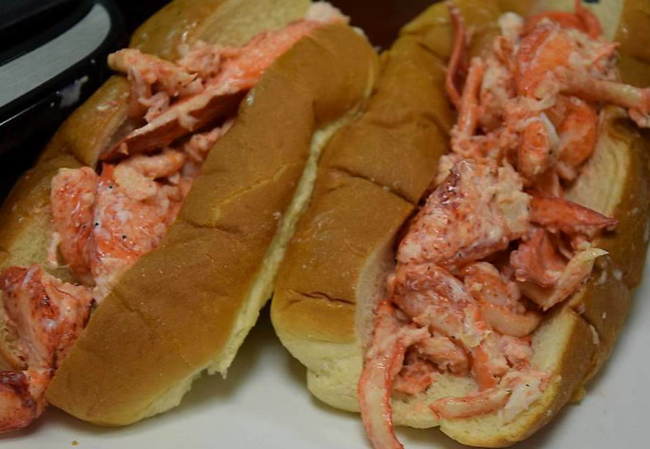558d18a455e10fd308e9_Lobster_roll.jpg