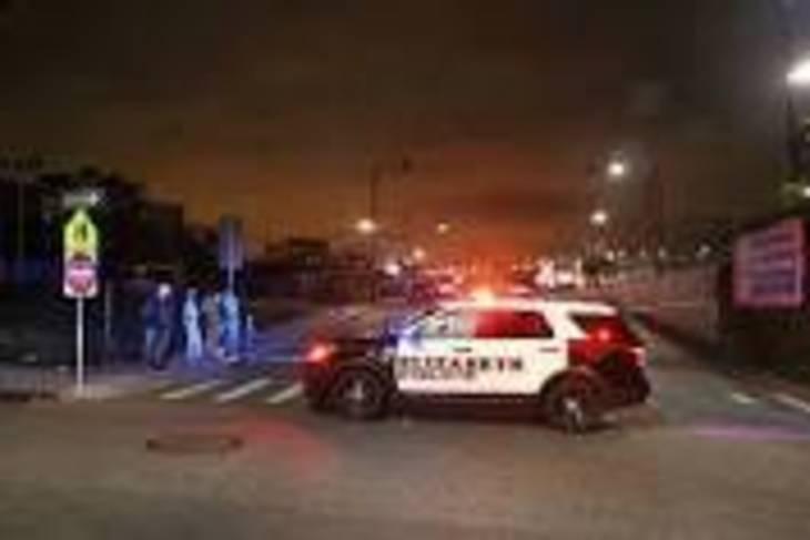 56f0fb4dd835bbab5196_police_cars_2.jpg